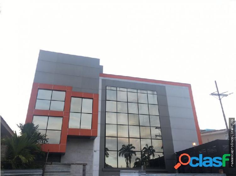 Edificio local comercial para centro asistencial