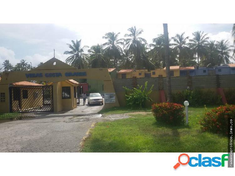 Exclusivo townhouse de 60 m2 en el estado falcón