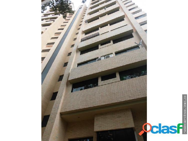 Comodo apartamento duplex de 312 mts