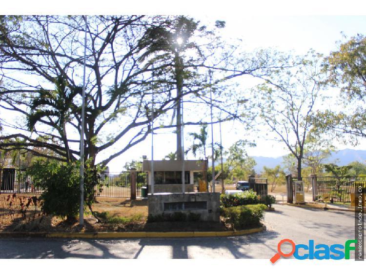 PARCELA UNIFAMILIAR EN ALTOS DE GUATAPARO