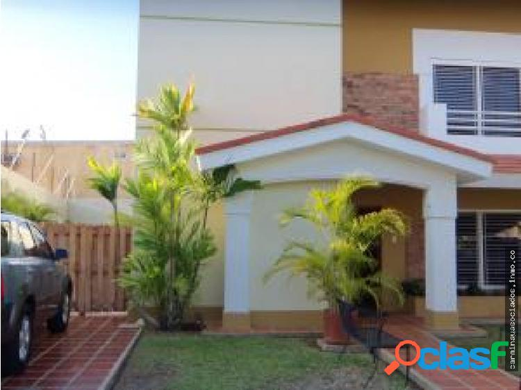Vendo townhouse av. universidad mls 18-235 zbn