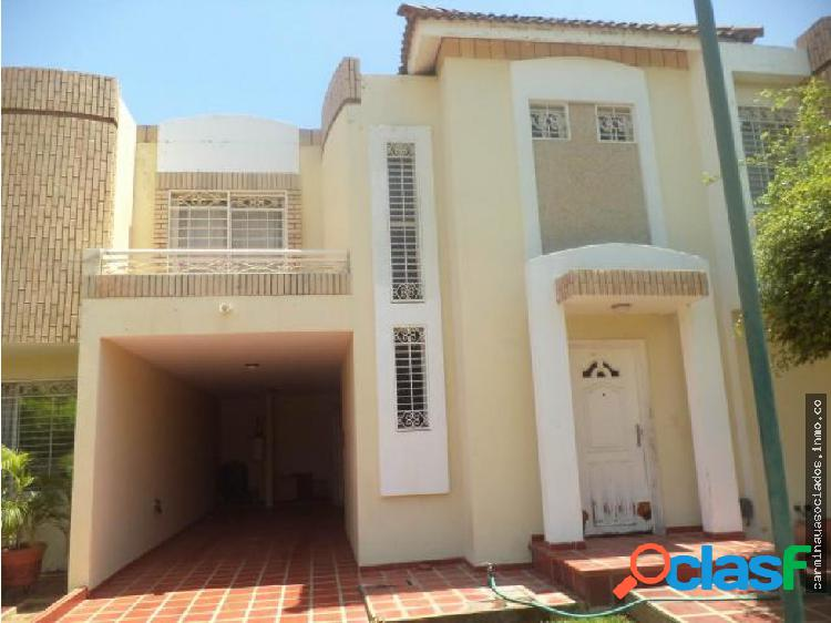 Alquilo townhouse av universidad mls #18-16839 krp