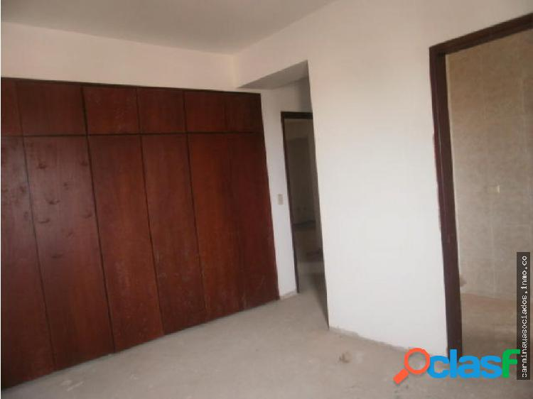 Vendo apartamento av. universidad mls 19-1563 gasb