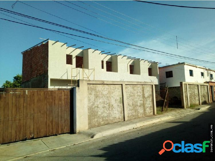 Town house san lorenzo venta margarita