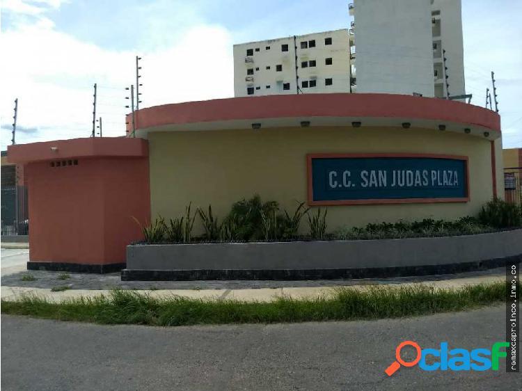 Local comercial en c.c. san judas plaza, paraparal
