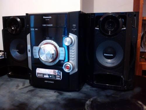 Equipo de sonido panasonic sa-ak180 de 2800 watts