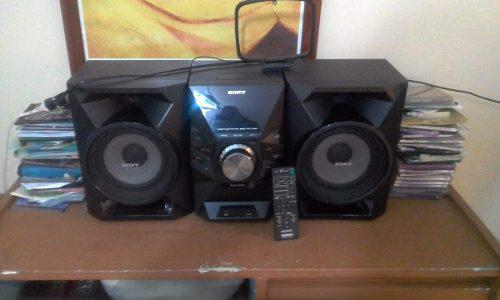 Equipo de sonido sony 450 watts perfecto estado con control