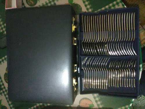 Juego de cubiertos acero inox 18/10 con borde de oro