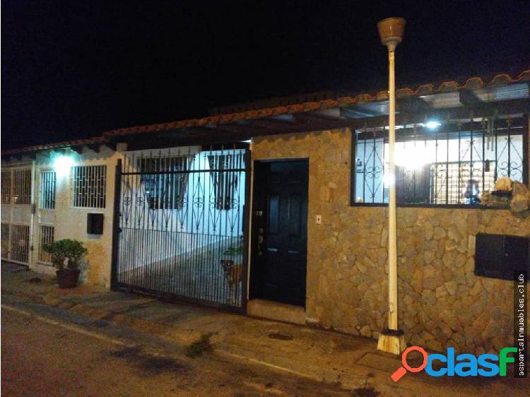 Town house la arboleda venta margarita