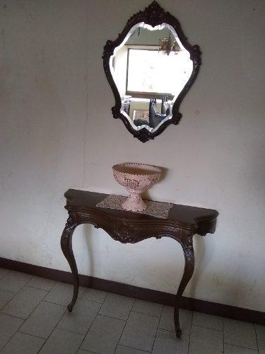 Consola de caoba con su espejo biselado