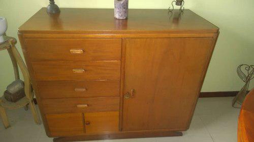Mueble antiguo / caoba, esta acondicionado p/ ceibo/bar
