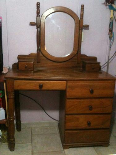 Peinadora con espejo (precio negociable)