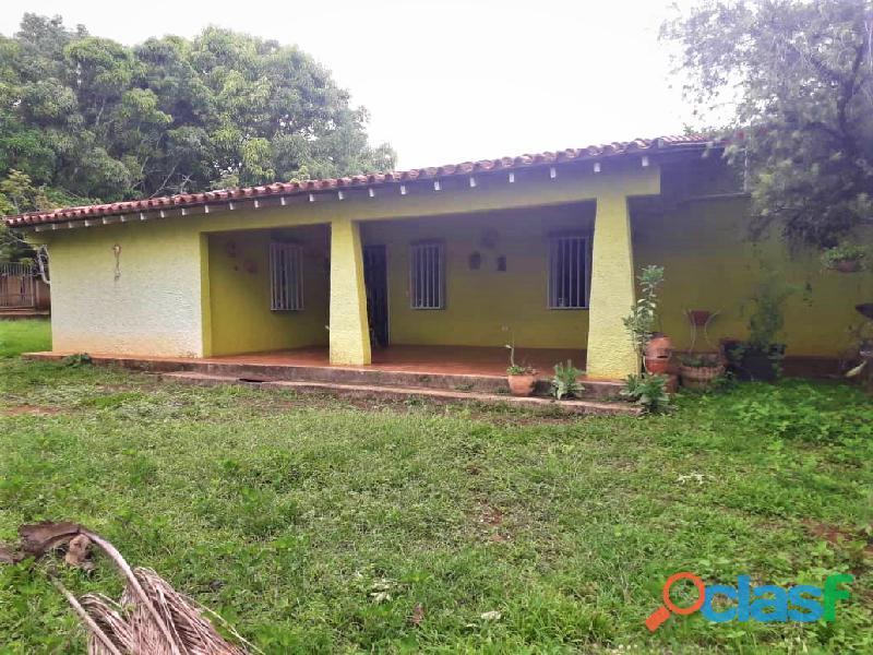 Finca de 2000M2 en Sabana del Medio sector Barrera, Mipio Libertador