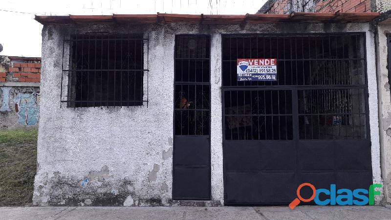 Casa de 220m2 en la Urbanización Ricardo Urriera