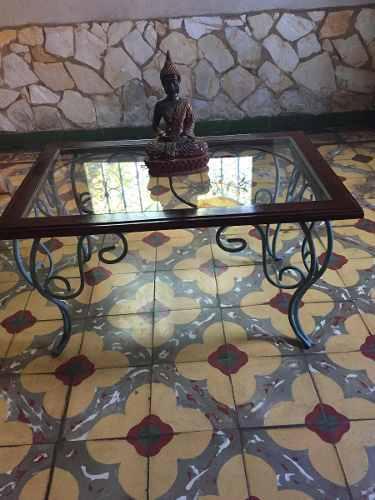Mesa de hierro forjado madera y vidrio interior o jardin