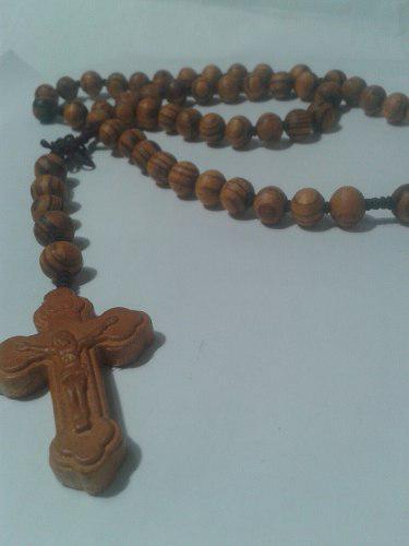 334 se vende rosario en madera de olivo unico en su estilo.