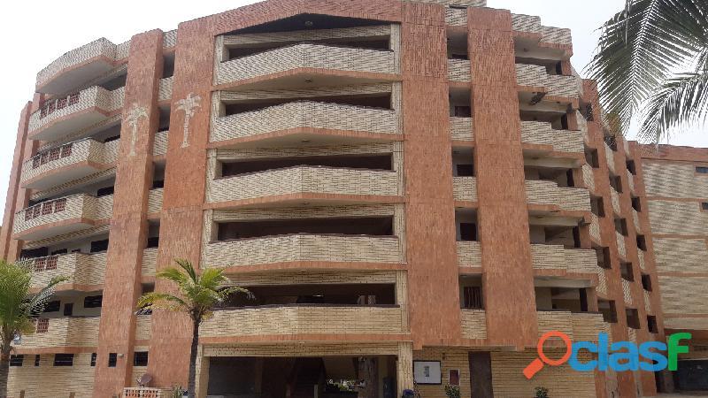Apartamento de 54m2 en Conj. Cocotero Mar III, Tucacas, Edo Falcón