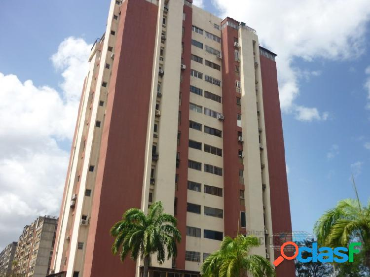 Apartamento amoblado en residencias roraima ii