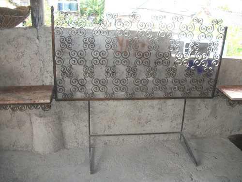Copete para cama de hierro forjado y mesas de marmol
