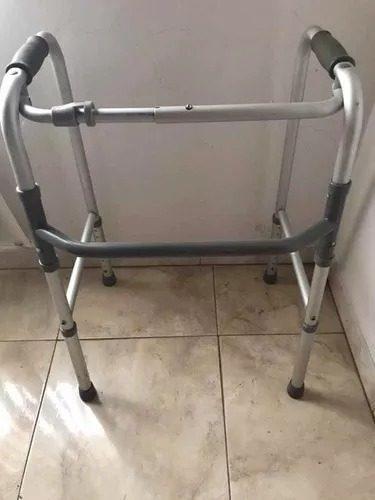 Andadera plegable de aluminio ajustable economica