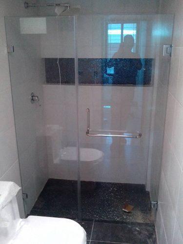 Puertas de baños de vidrio templado y todo relacionado