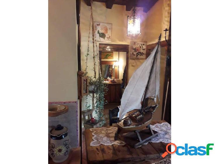 Vende casa de campo estilo italiano