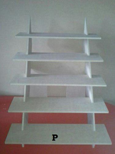 Exhibidor tipo escalera desarmable 60x50cm en mdf crudo