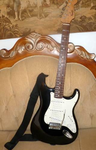 Guitarra elect. fender squier bullet strat+estuche+correa...