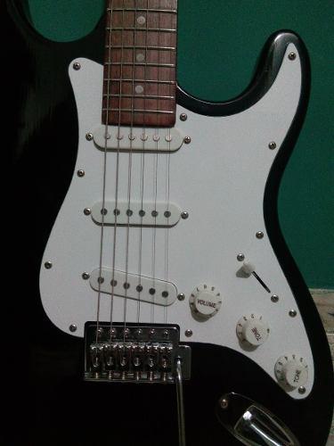 Guitarra electrica fretmaster mod stratocaster como nueva