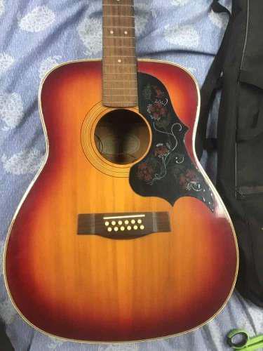 Guitarra electro acústica 12 cuerdas yamaha