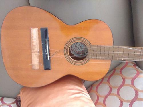 Guitarra tatay para reparar