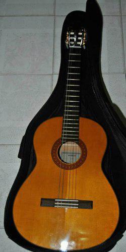 Guitarra yamaha acustica c70