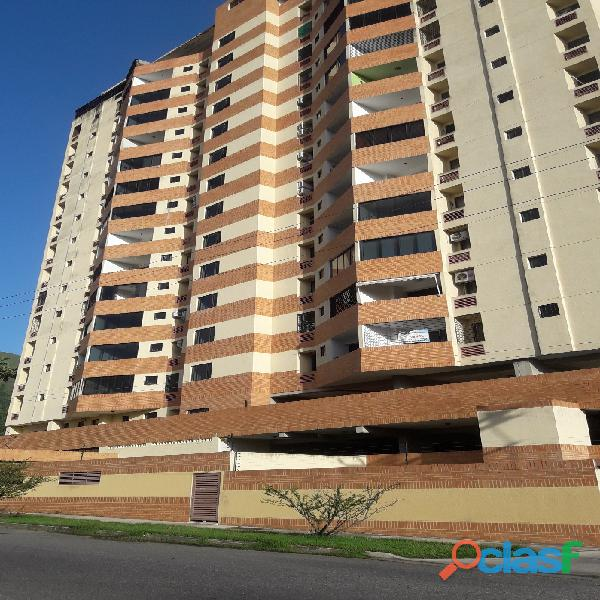 Apartamento De 86m2 En La Urb Palma Real, Naguanagua