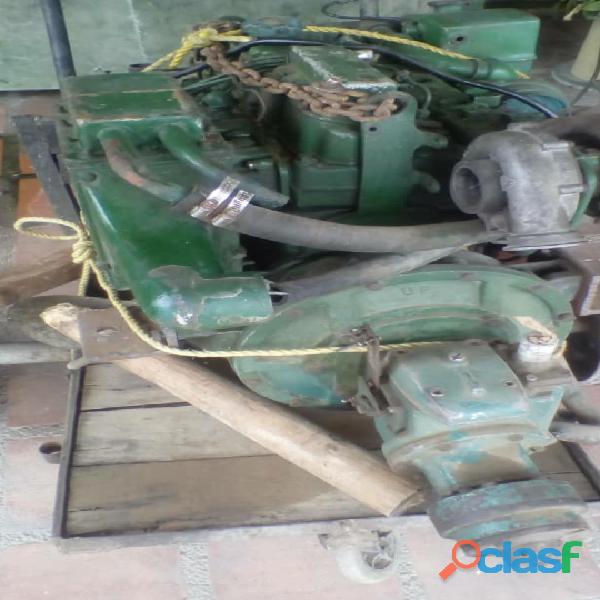 Motor volvo penta marino a gasoil 4 cilindor con caja de veolocidad