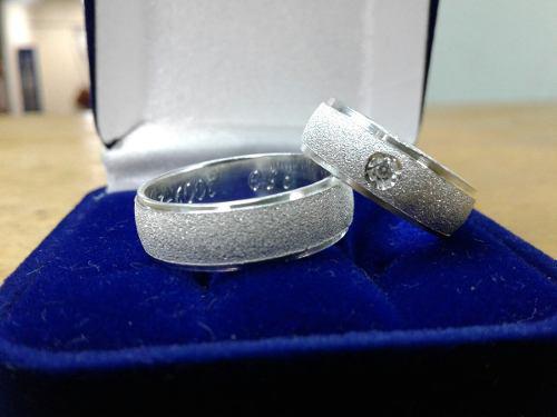 Par de aros matrimonio o boda con circones en plata