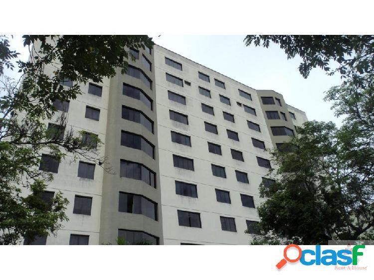 Vende amplio apartamento