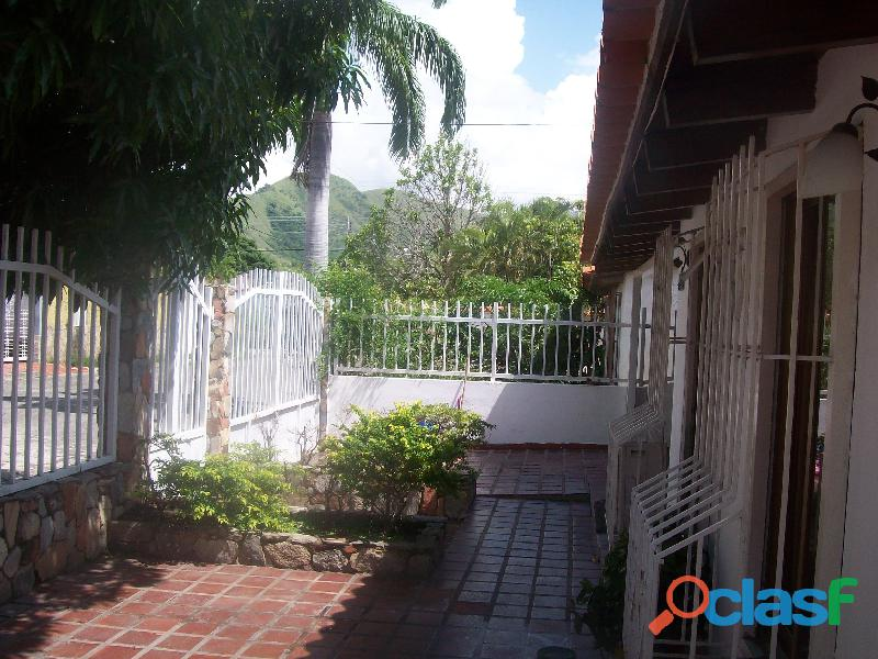 Casa en venta en La Urb. San Bernardo, San Joaquin, 19 50007, ASB 7