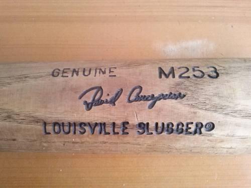 Bate profesional louisville slugger madera david concepción