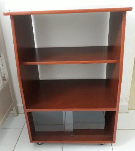 Mueble o estante de madera