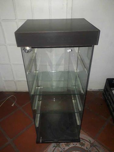 Mueble vitrina mostrador exhibidor de cristal con luz led
