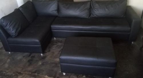 Muebles modulares en bipiel y patas cromadas