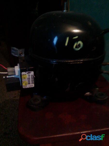 Compresor de 1/4 de 3 tubos para nevera o ferigerador