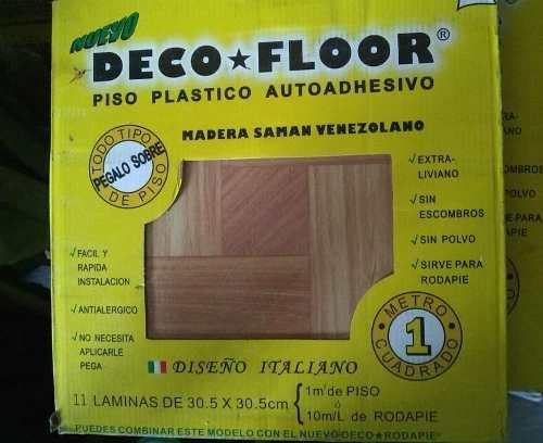 Piso plástico autoadhesivo madera saman venezolano.