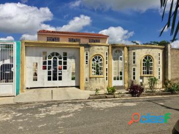 Casa en venta en santa paula, tocuyito, carabobo, enmetros2, 19 72011, asb