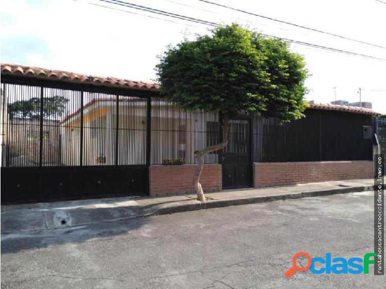 Sales/Venta Urb. Fundalara Casa en BarqFun
