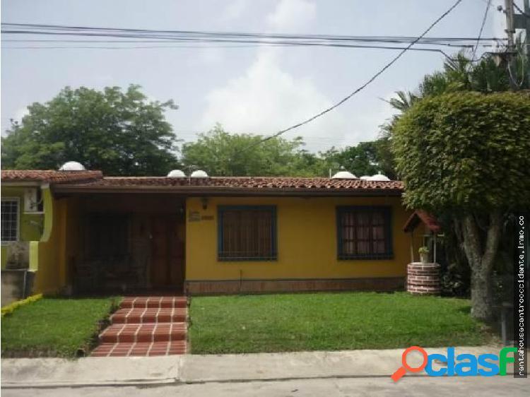Sales/venta urb valparaiso casa en barqdeleste