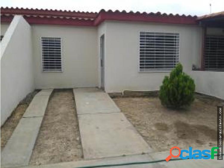 Casa en venta el amanecer cabudare 19-13351 mp