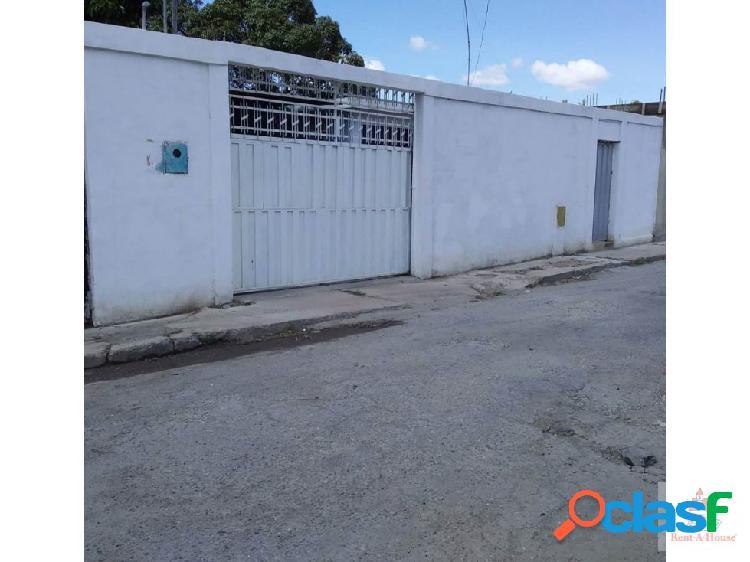 Iris marin 0424-5774745 vende casa en barto