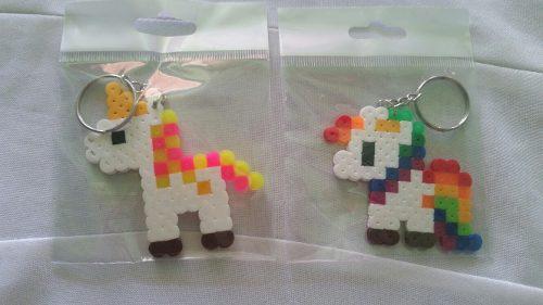 Llaveros de unicornios en hama beads.