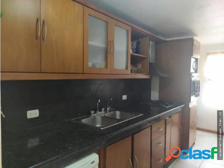 Vende casa en barquisimeto rah 19-15544